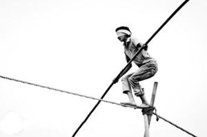 Tightrope-walking-blindfolded_slideshow_copyrighted
