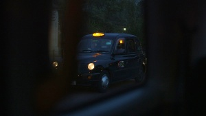 London-cab-at-night1