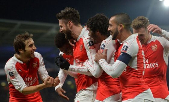 giroud-rocking-baby-celebration-march-2016
