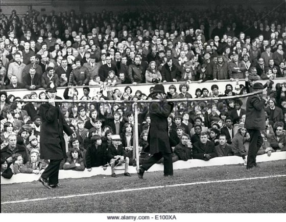 feb-02-1972-arsenal-and-derby-fa-cup-replay-at-highbury-results-in-e100xa.jpg