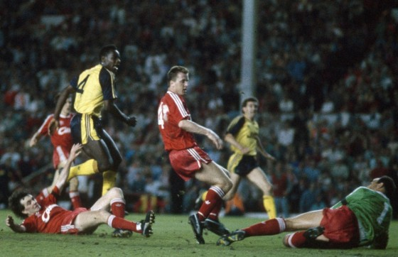 Michael-Thomas-scores-that-Championship-winning-goal-at-Anfield-in-1989-1024x663.jpg